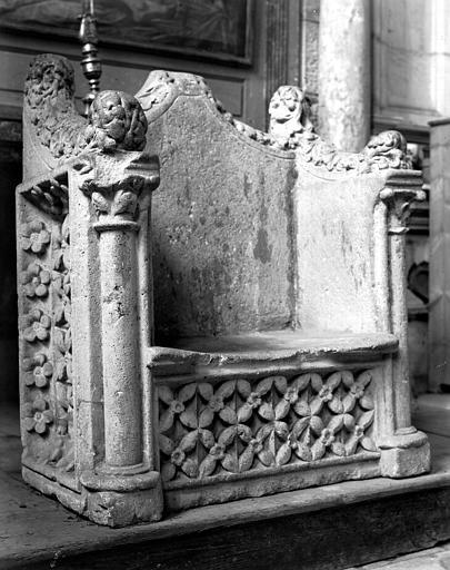 Gerhards bispestol (kathedra), bevart i katedralen Saint-Étienne i Toul